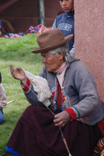 An elder from the Mahuaypampa community.