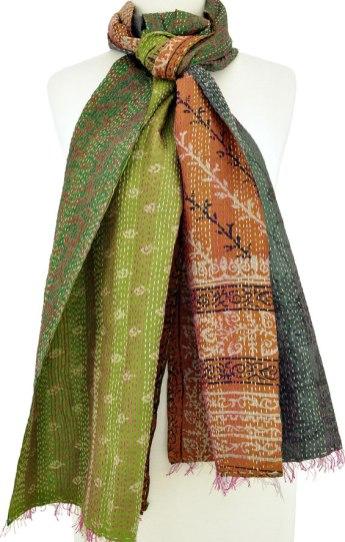 A kantha Red Sari scarf