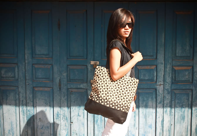 A Passa-paa tote using designs inspired by tradition.