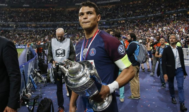 Thiago Silva avec la Coupe de France