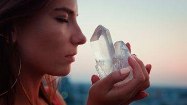 Cristaux cosmiques : quelle pierre précieuse est faite pour vous selon votre signe astro ?
