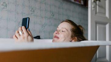 """Tinder : qu'est-ce que cette nouvelle fonctionnalité """"spéciale infidélité"""" ?"""