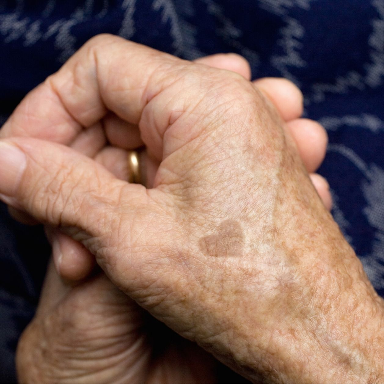 """""""je veux aider"""", la plateforme pour épauler les soignants et les exclus TOUTFILM"""