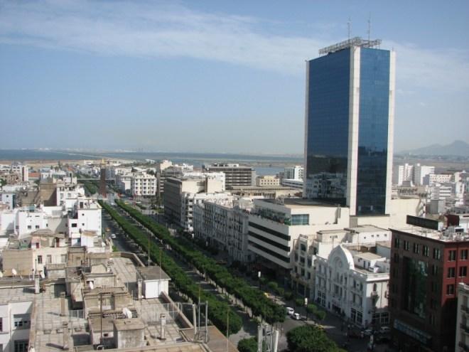 حجر صحي شامل في تونس وإيقاف الدروس