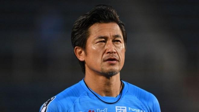 يوكوهاما الياباني يُجدد عقد مهاجمه كازويوشي ميورا صاحب الـ54 سنة !
