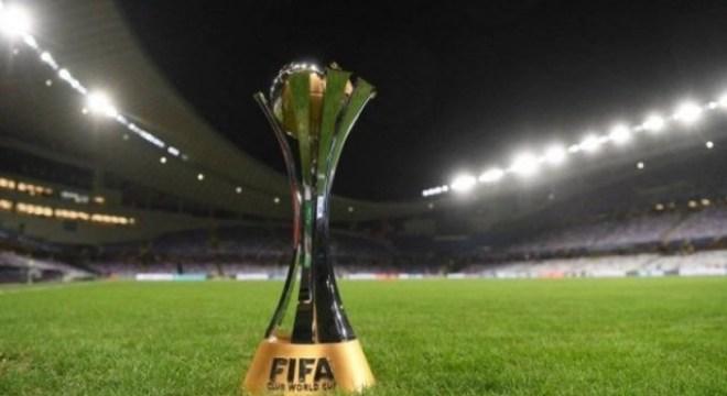 4 حكام عرب يتواجدون بقائمة الطاقم التحكيمي لـ كأس العالم للأندية