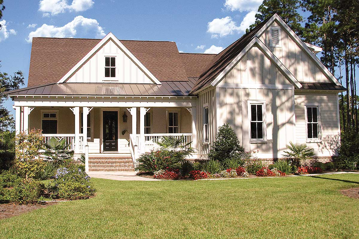 Modern Farmhouse Plan with Generous Outdoor Living Space ... on Farmhouse Outdoor Living Space id=38563
