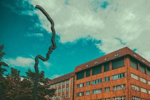 Georg Elser's silhouette.
