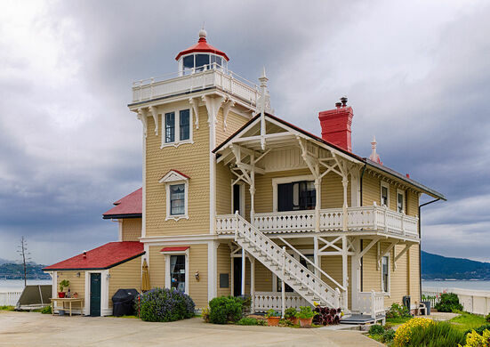 East Brother Light Station Bed & Breakfast – Richmond ...