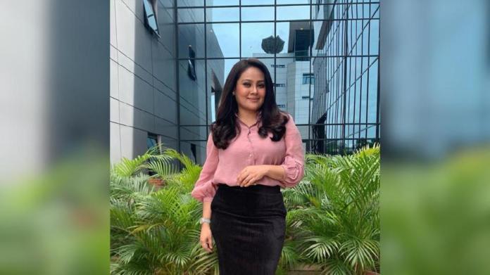 Fiza Sabjahan tidak menyangka tersenarai dalam kelompok 20 calon kategori Pengacara TV Popular, ABPBH 33. - Foto IG Fiza Sabjahan