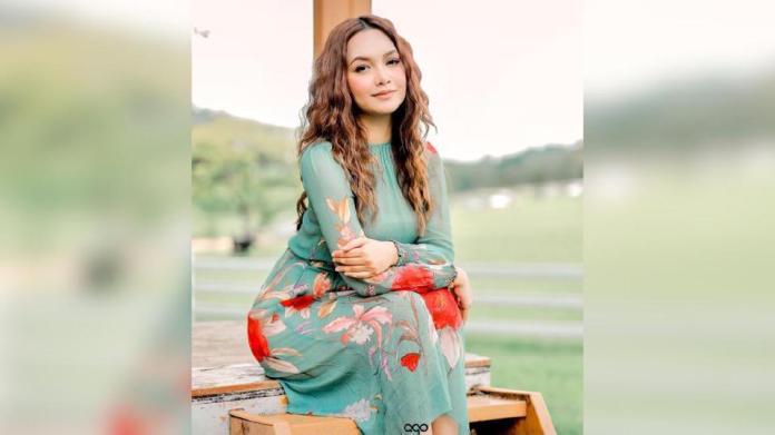 Azira Shafinaz bersyukur ramai mula nampak prestasi lakonannya menerusi filem Penunggang Agama yang berjaya meraih kutipan RM2 juta dalam tempoh dua minggu sejak ditayangkan menerusi Astro First. - Foto IG Azira Shafinaz