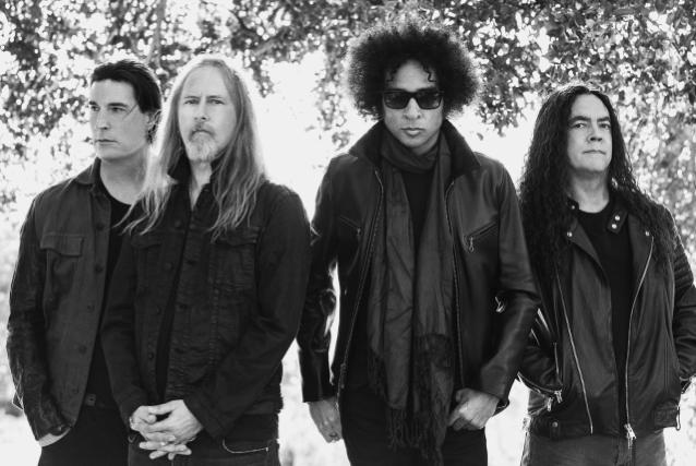 ALICE IN CHAINS Teases 'Never Fade' Video