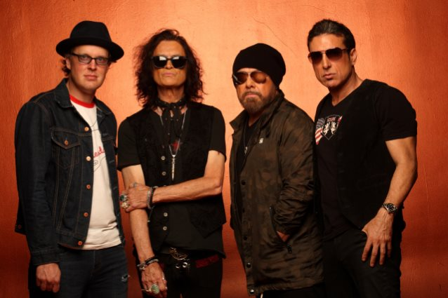 BLACK COUNTRY COMMUNION Releases 'Wanderlust' Studio Video