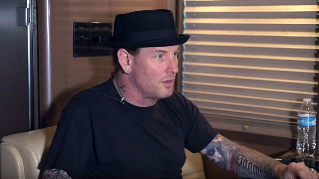 SLIPKNOT's COREY TAYLOR Says Politicians Who Blame Music And Video Games For Mass Shootings Are 'Idiots'
