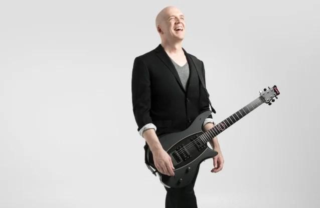 加拿大全方位音樂創作家 Devin Townsend 新曲影音釋出 Evermore