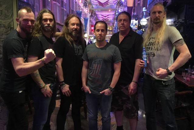 HAMMERFALL Signs With NAPALM RECORDS; New Album Due In November