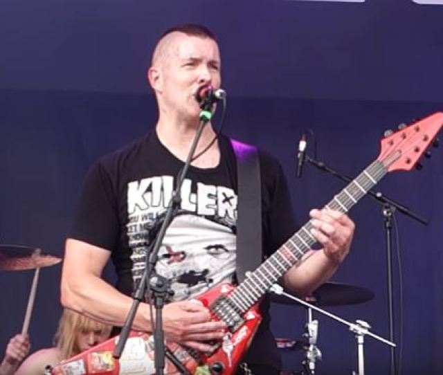 Annihilators Jeff Waters Talks Playing Guitar And Singing Its Incredible What Hetfield And