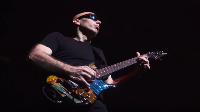JOE SATRIANI To Release Limited-Edition 'Beyond The Supernova' Box Set