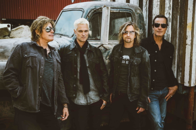 JEFF GUTT Says He Still Has To Pinch Himself Sometimes About Being In STONE TEMPLE PILOTS