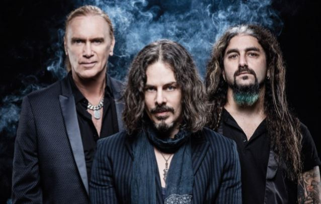 THE WINERY DOGS' Upcoming DVD To Include EP Of Previously Unreleased Studio Tracks