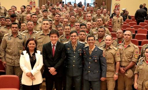 Resultado de imagem para Governador empossa novo comandante do Corpo de Bombeiros