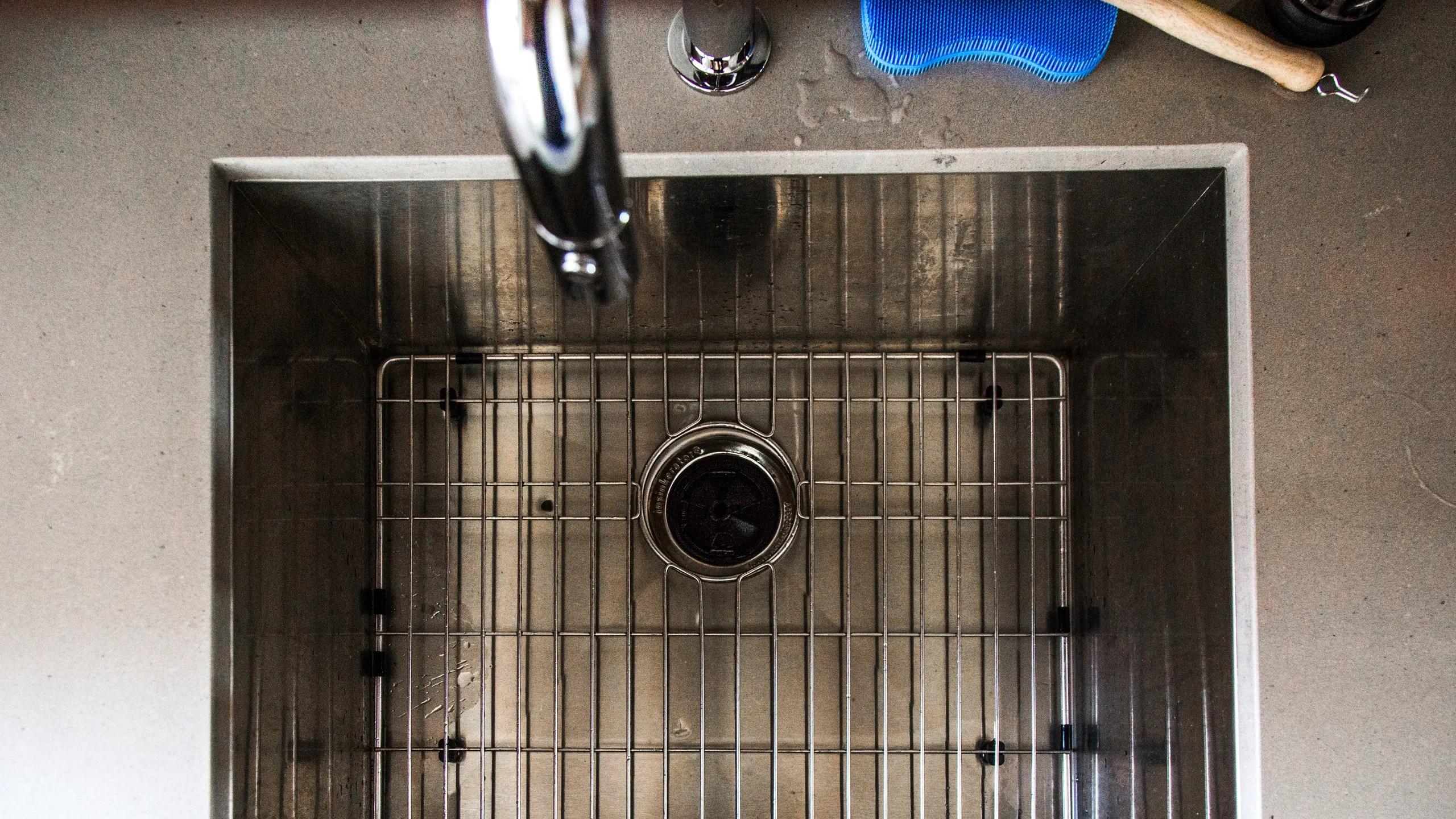 to clean your kitchen sink bon