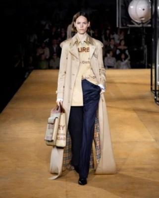 亞洲版型棉質嘎巴甸 Trench 風衣 (柔黃褐色) - 女士 | Burberry 博柏利