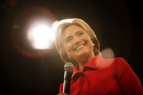 Hillary Clinton speaks at the Jefferson-Jackson Dinner in Des Moines, Iowa, U.S., on Saturday, Oct. 24, 2015.