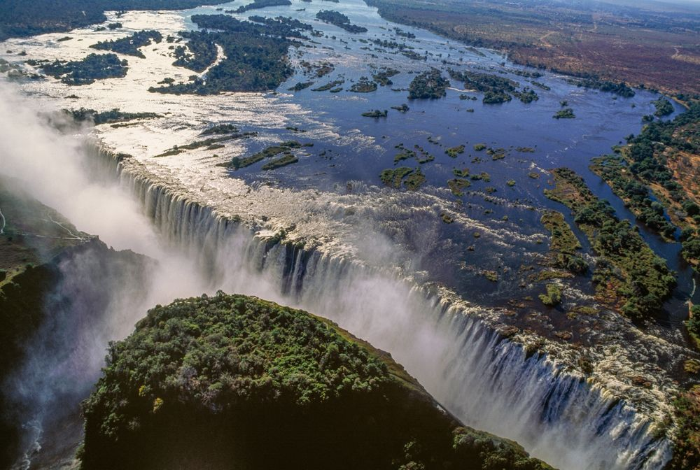 Biggest African Waterfall Victoria Falls at 24-year-Low - Bloomberg