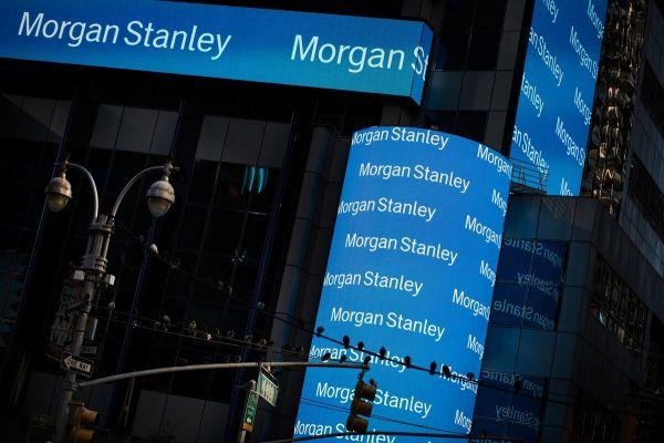 Morgan Stanley Takes on Goldman, Buffett With Bullish Bond ...