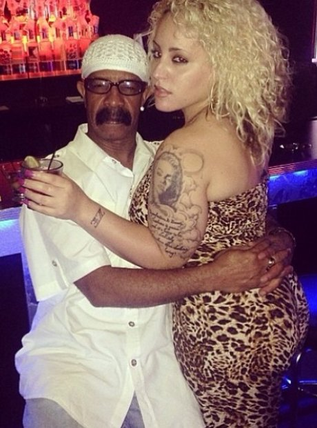 18 Times Drake's Dad Was Living His Best Life On Instagram ...