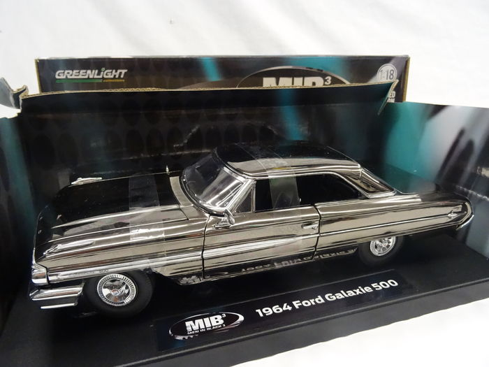Greenlight Chelle 118 Ford Galaxie 500 1964 Men In