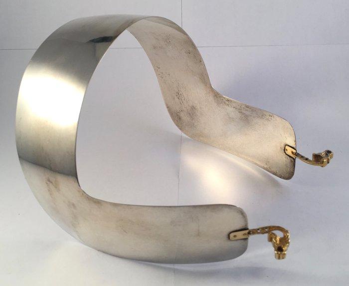 Zilveren oorijzer met gouden stiften, Huizer klederdracht, Nederland, 1917