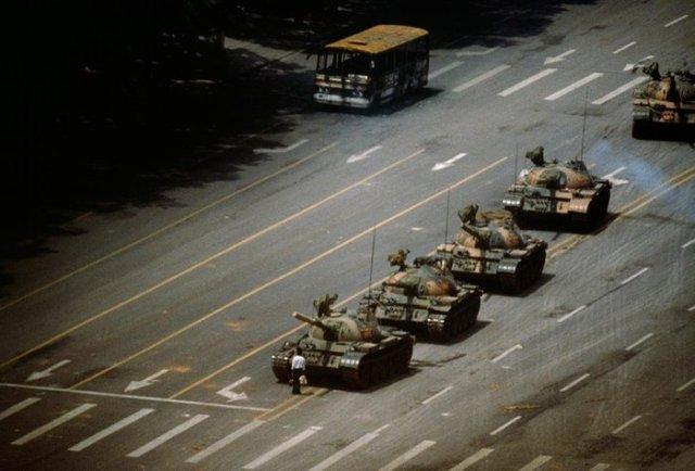 Stuart Franklin (1956-) - 'Tank Man', Tiananmen Square, - Catawiki