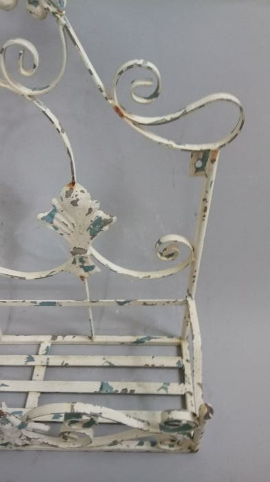 Vintage wrought iron wall planter/jardiniere - Catawiki on Iron Wall Vases id=36645