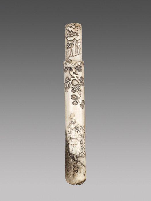 Kiseruzutsu (1) - Antler - The great poet Rihaku - Unsigned - Japan - Edo Period (1600-1868) - Catawiki