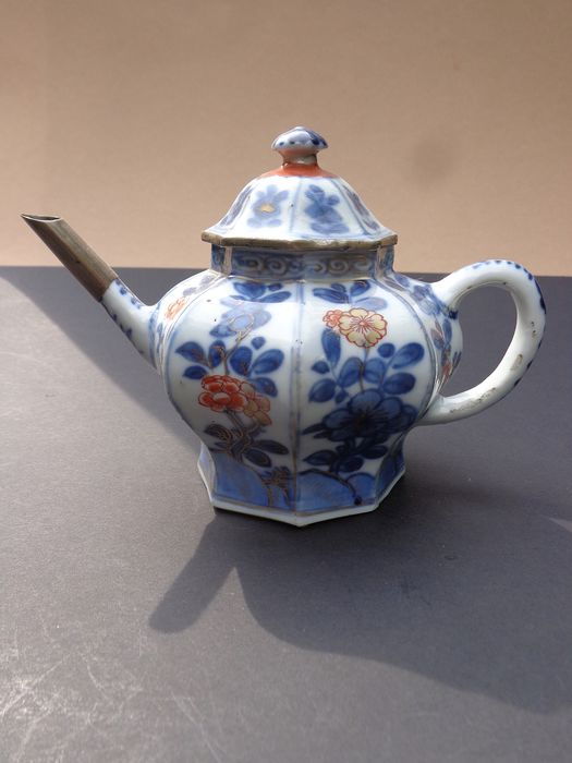 draw pot (1) - Imari - Porcelain - Flowers - Kangxi 1662--1722 - China - 18th century - Catawiki