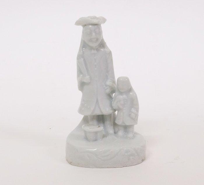 "Late 17th century Chinese ""Blanc De Chine"" figurine - Porcelain - China - Kangxi (1662-1722) - Catawiki"