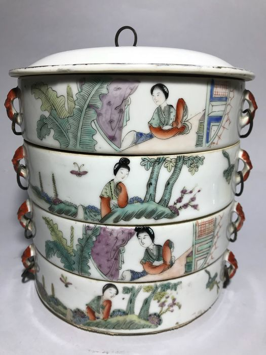 Large food box (1) - Famille rose - Porcelain - China - Republic period (1912-1949) - Catawiki