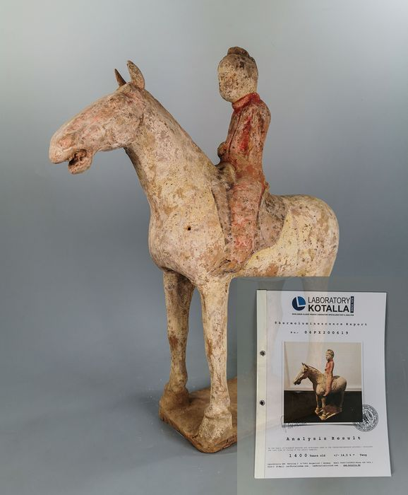 Ancient Chinese Terracotta Horse & Rider - TL tested - Catawiki