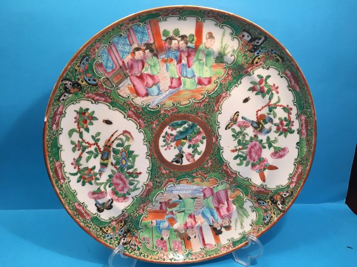 Large plate - Canton, Famille rose - Porcelain - China - 19th century - Catawiki
