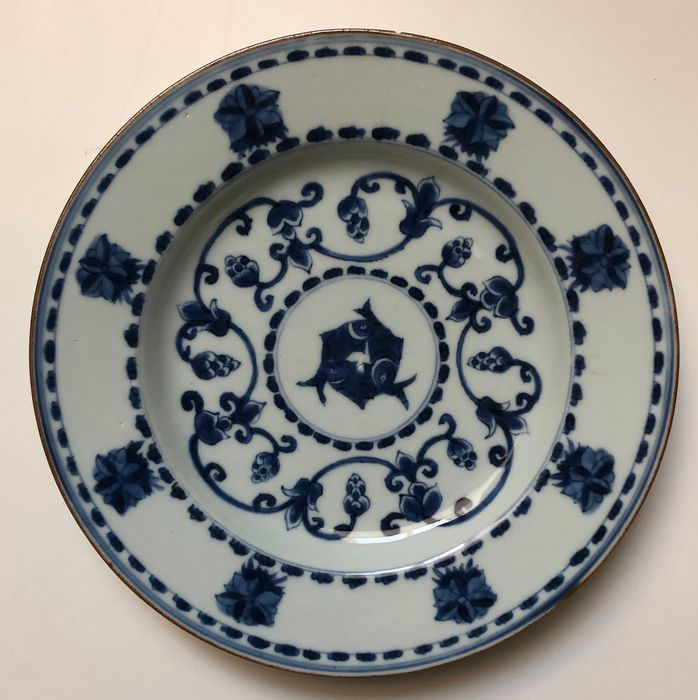 Plate - Porcelain - fish - China - Kangxi (1662-1722) - Catawiki