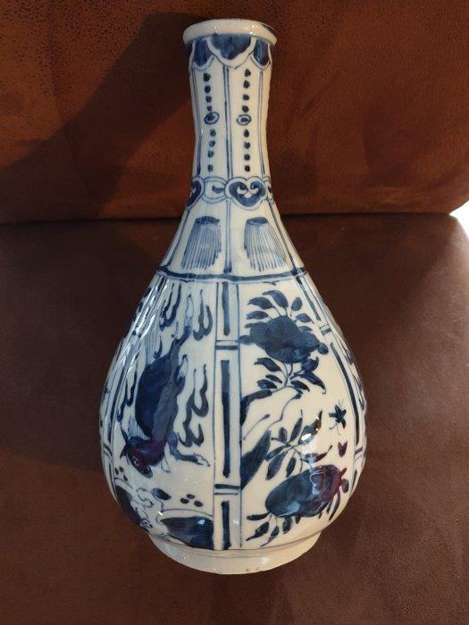 Bottle vase - Blue and white - Porcelain - Flying Horse - Ming - China - Wanli (1573-1619) - Catawiki