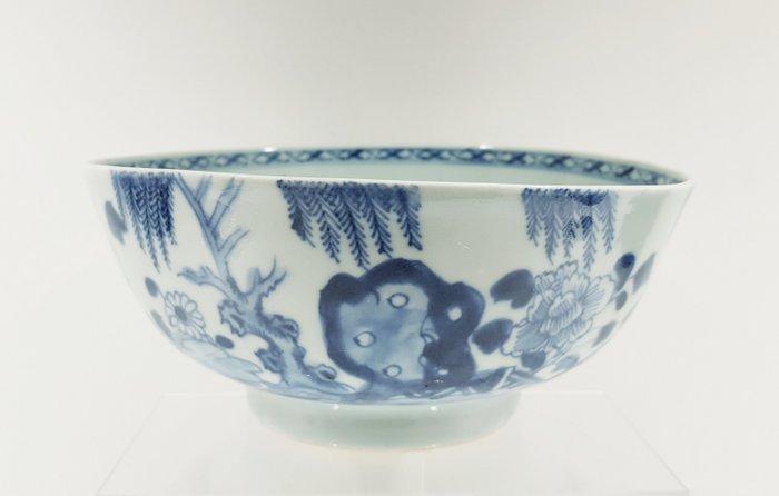 Bowl (1) - Porcelain - Flowers, landscape - Qianlong bowl Ø 18 cm - Mint condition - China - Qianlong (1736-1795) - Catawiki