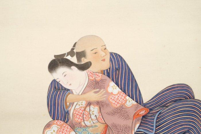 Gentle erotic (shunga) painting on a scroll - Silk - Gentle erotic (shunga) painting of a loving couple - Japan - Taishō period (1912-1926)