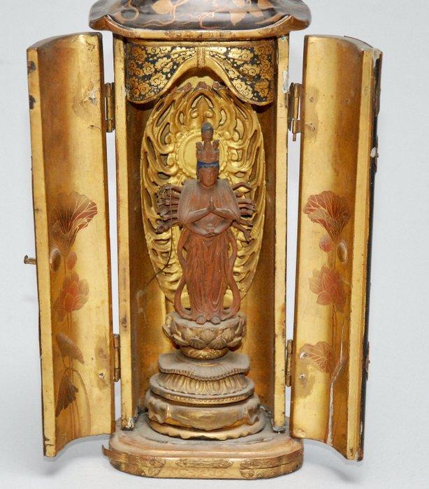 Butsudan - Japanese altar - Gilt lacquered wood - Avalokitesvara, Kannon - Japan - 18th century - Catawiki