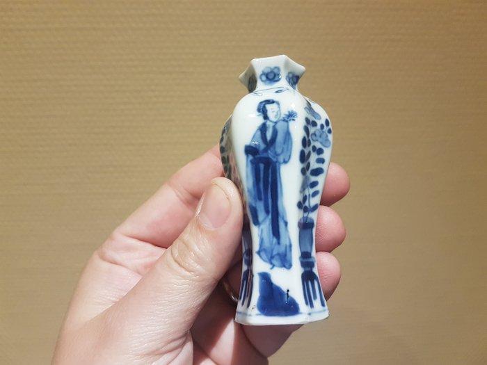 Baluster vase (1) - Porcelain - Kangxi - China - 18th century - Catawiki