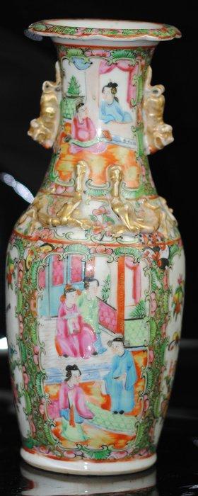 Famille Rose Canton Vase - Porcelain - China - Late 19th century - Catawiki