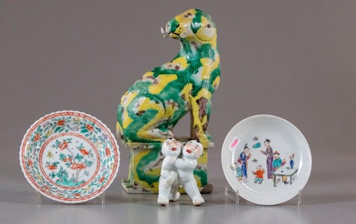 Figure, Saucers - Porcelain - China - Kangxi (1662-1722) - Catawiki