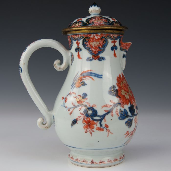 Pitcher with gilt bronze frame (1) - Imari - Porcelain - Flowers and a pheasant in a fenced garden - China - Qianlong (1736-1795) - Catawiki